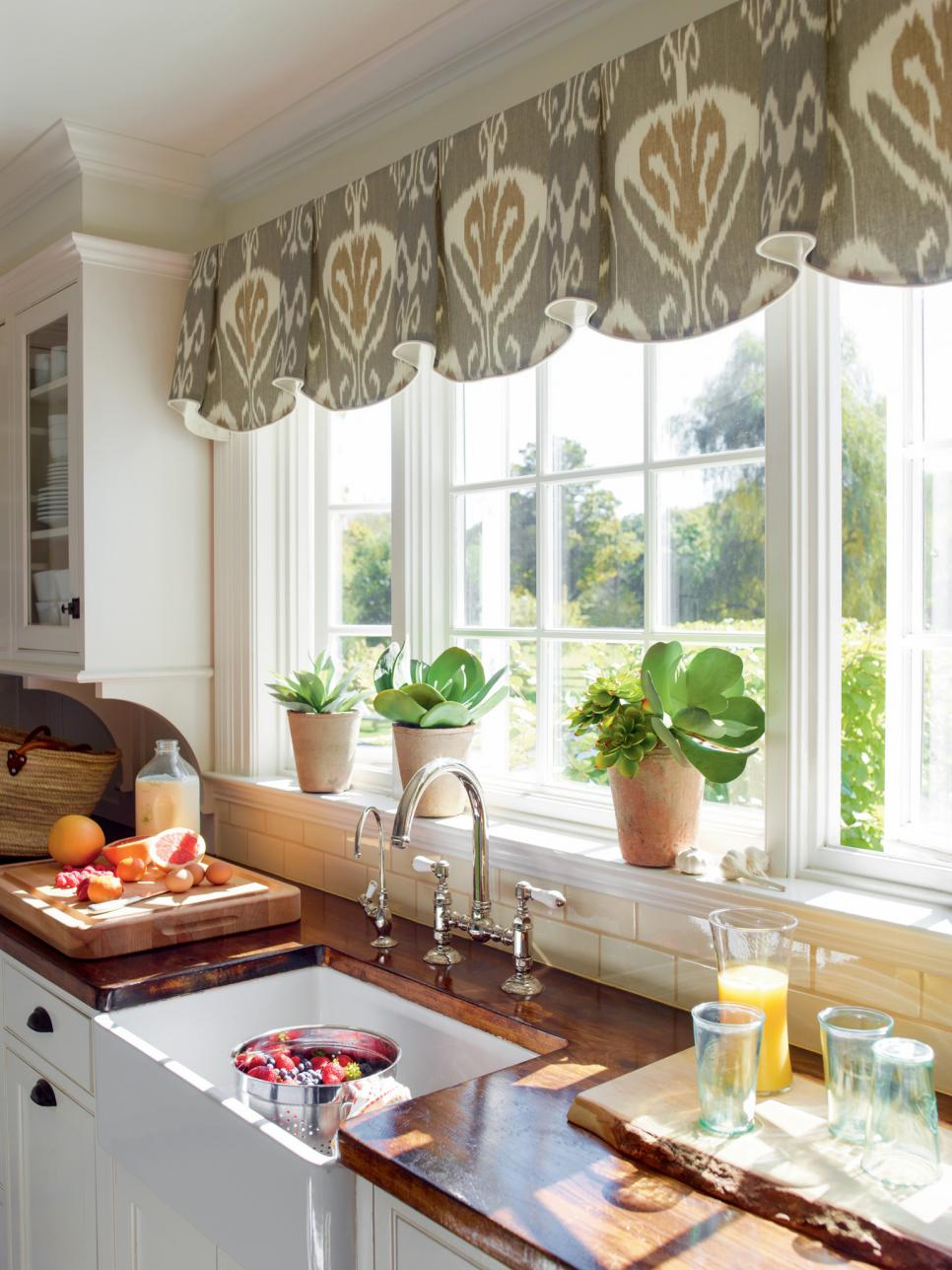 Best Curtain Design for Kitchen Window