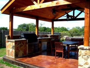 Discover the Best Covered Outdoor Kitchen Plans to Get a Cozy Open Space Kitchen