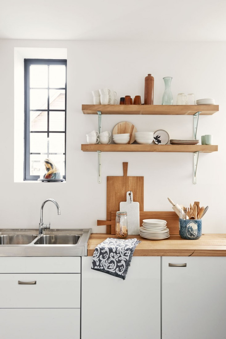 Kitchen Oak Shelving Ideas: Give Solving to Your Storage Problem