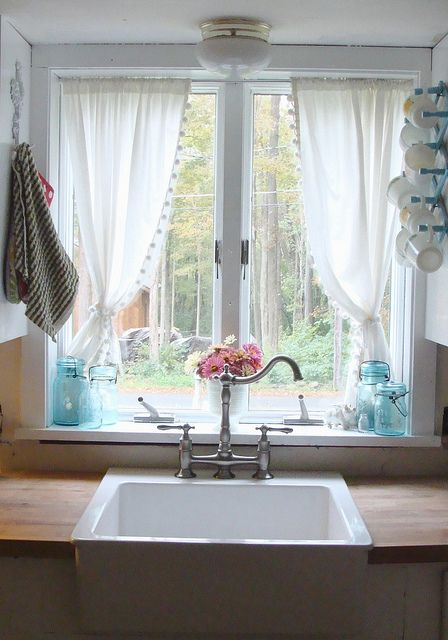 Light Curtain Design for Kitchen Window