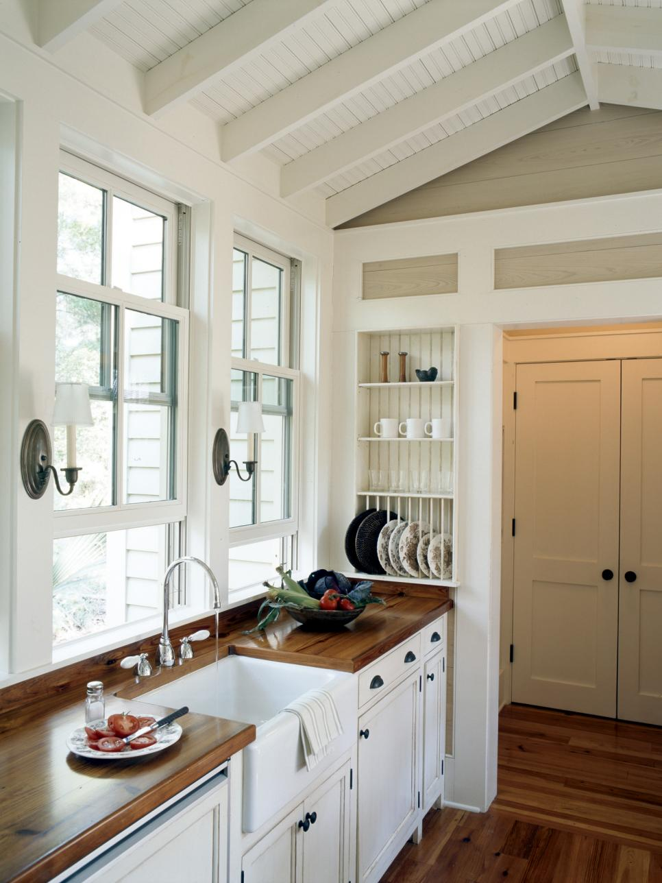 country style kitchen decorating ideas the best small country kitchen design ideas for your kitchen 8473