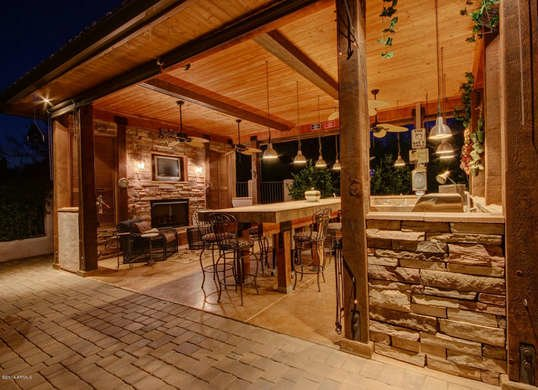 best Covered Outdoor Kitchen
