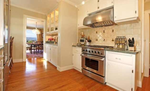 Oak Flooring for Kitchen: The Advantages of Choosing Oak Flooring
