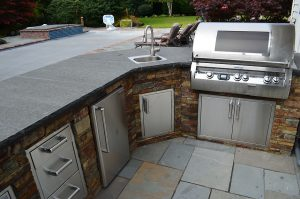 must have items for outdoor kitchen