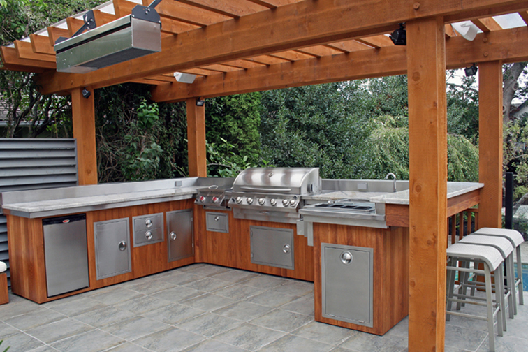must have items for outdoor kitchens