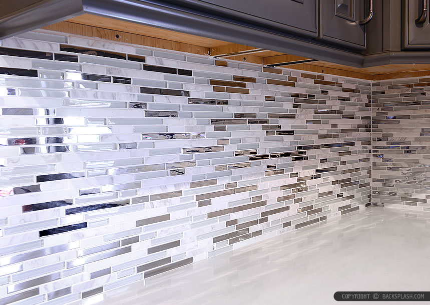 Glass metal backsplash