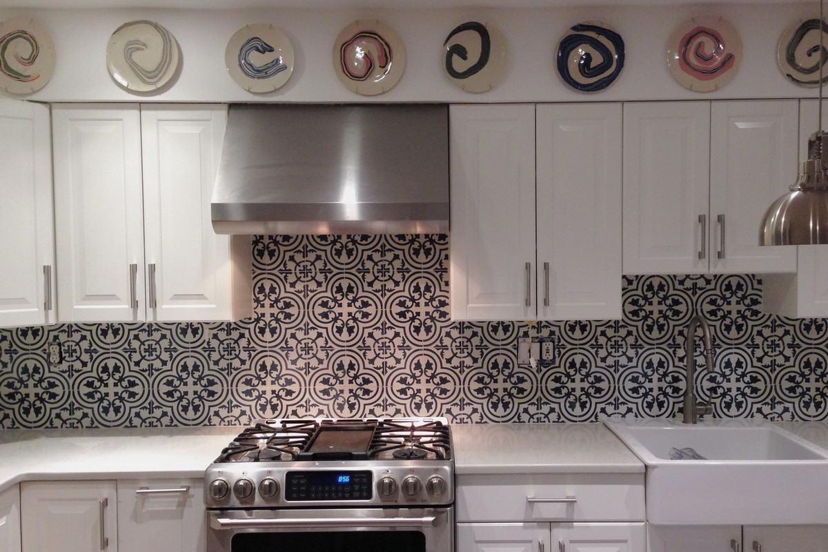 Moroccan tiles kitchen backsplash