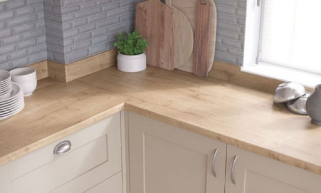 Kitchen Laminate Worktops: Why It Is The Ideal Work Surface In Your Kitchen