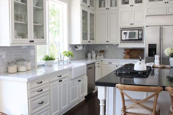 White Dove kitchen theme