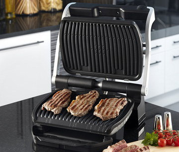 Grill with Removable Cooking Plates