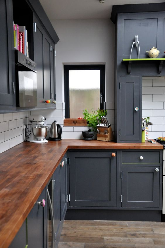 Kitchen Design to Match with the Accessories