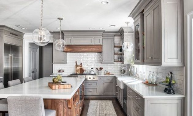 kitchen-remodeling-ideas-wooden-floor-ceiling-light-kichen-cabinet-countertop-faucet-washbasin-cutleries-chinawares-knives-cupboard-cabinet-white-kitchen-mode